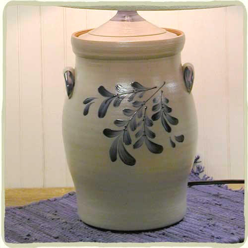Teaberry 1 1/2 Gallon Jar Lamp